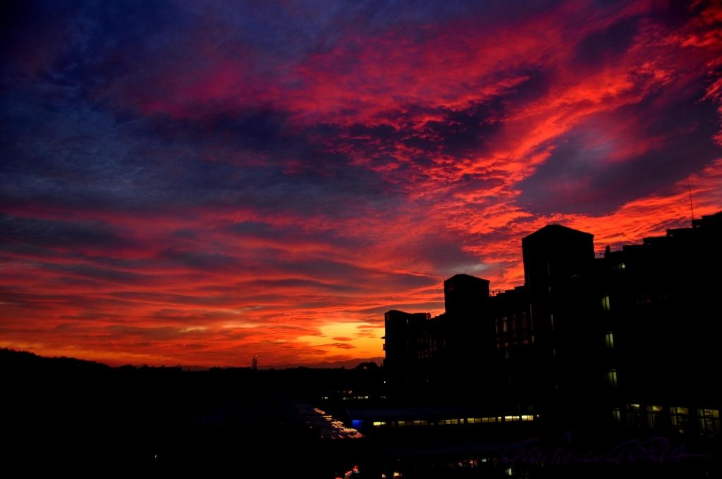 DSC_1817 tramonto infuocato