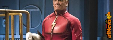 The Flash Season 2 Finale: Man in the Iron Mask's Identity Revealed (spoiler per l'Italia)